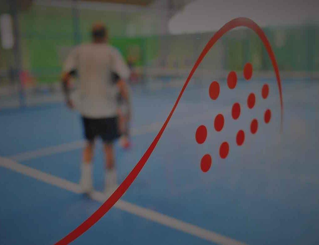 Lombardia Uno | Affitto Campi da Calcio, Calcetto, Beach Volley, Beach Tennis, Foot Volley e Paddle Padel a Milano | immagine paddle padel Milano