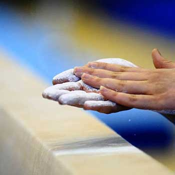 Lombardia Uno | Affitto Campi da Calcio, Calcetto, Beach Volley, Beach Tennis, Foot Volley e Paddle Padel a Milano | immagine ginnastica artistica