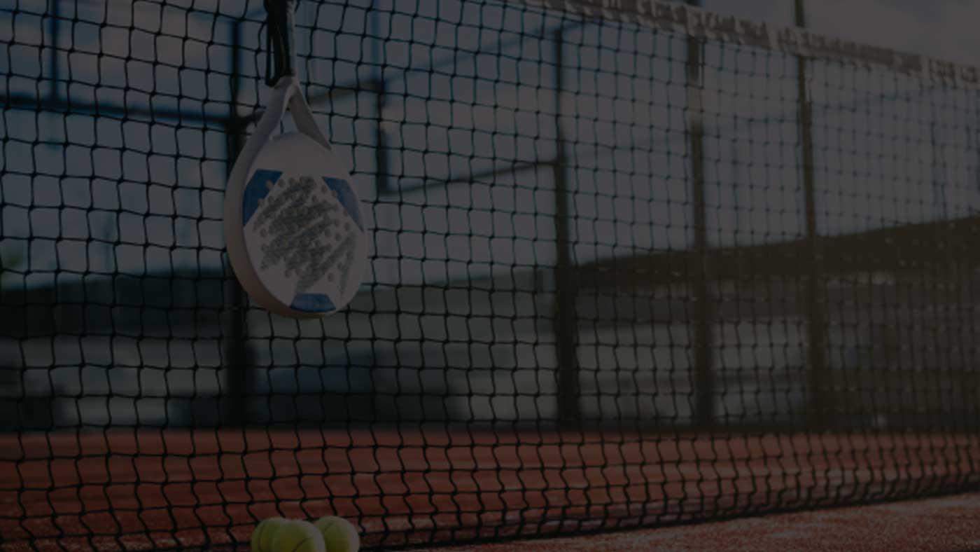Lombardia Uno | Affitto Campi da Calcio, Calcetto, Beach Volley, Beach Tennis, Foot Volley e Paddle Padel a Milano | immagine slide padel paddle